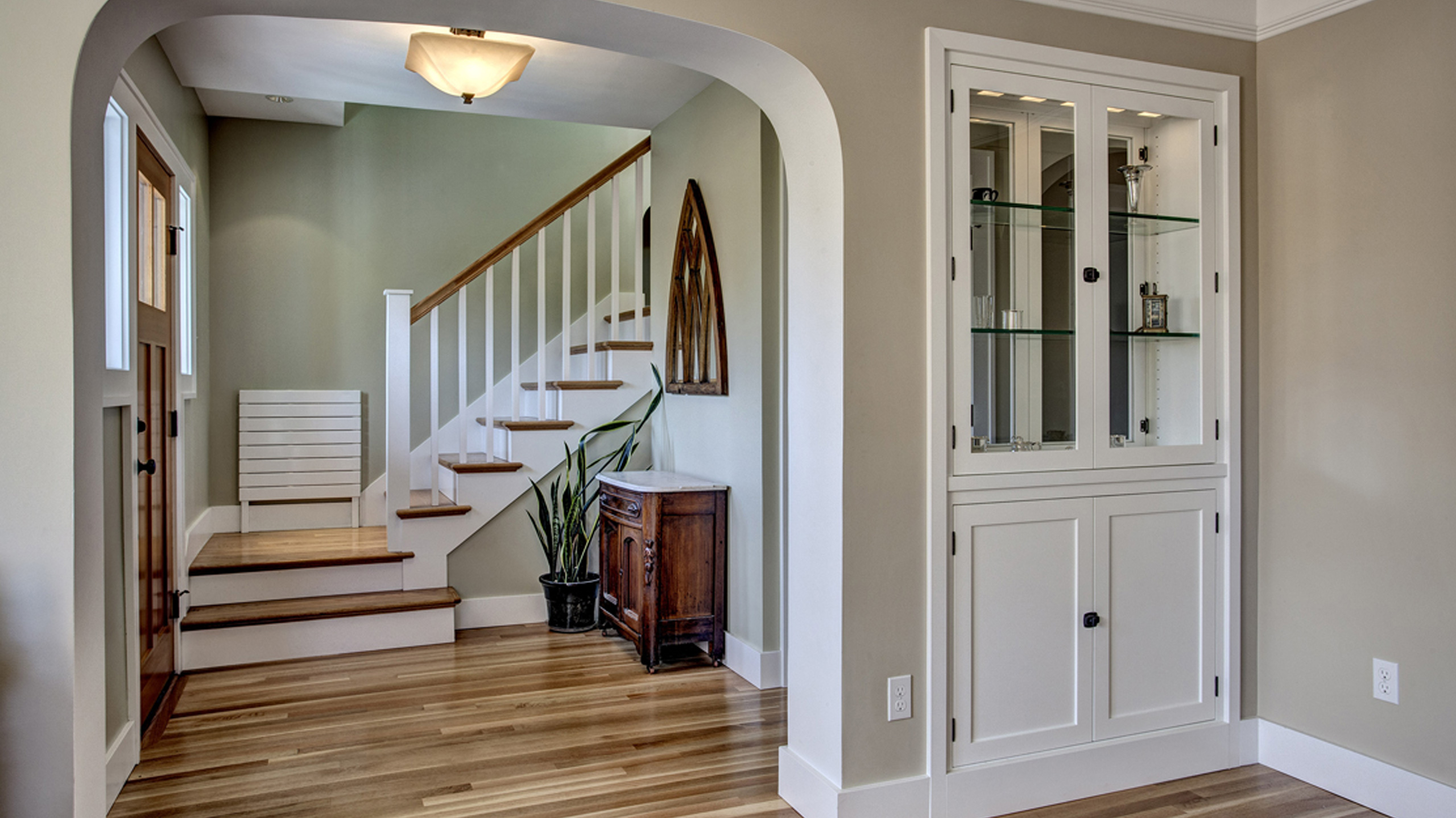 Basement Stair Landing Decorating: The Ups And Downs Of Staircase Design