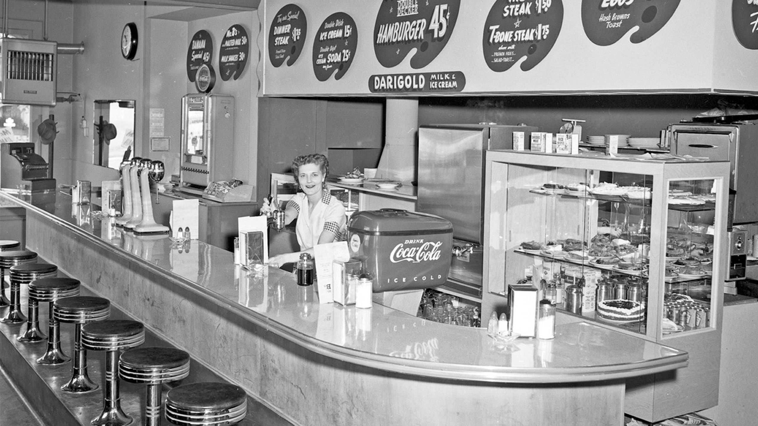 Photo of a '50s diner. – Third Place Evolution – Board & Vellum